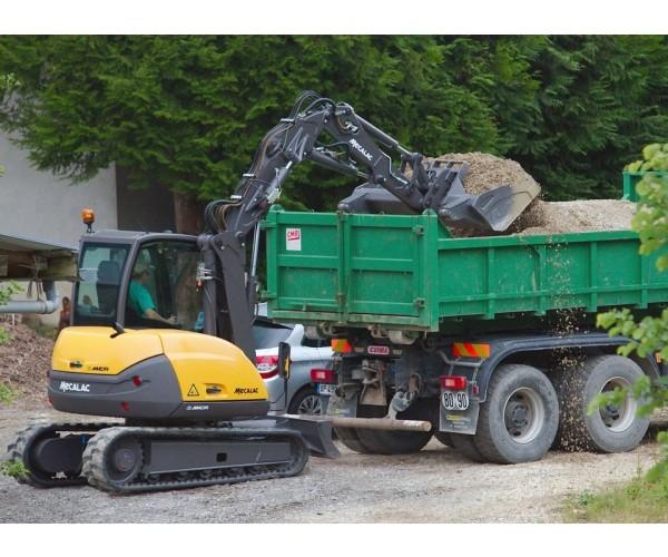 Excavator multifunctional pe senile Mecalac 6 MCR