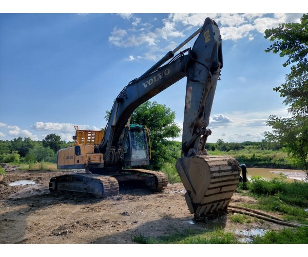 Excavator Volvo EC240CL